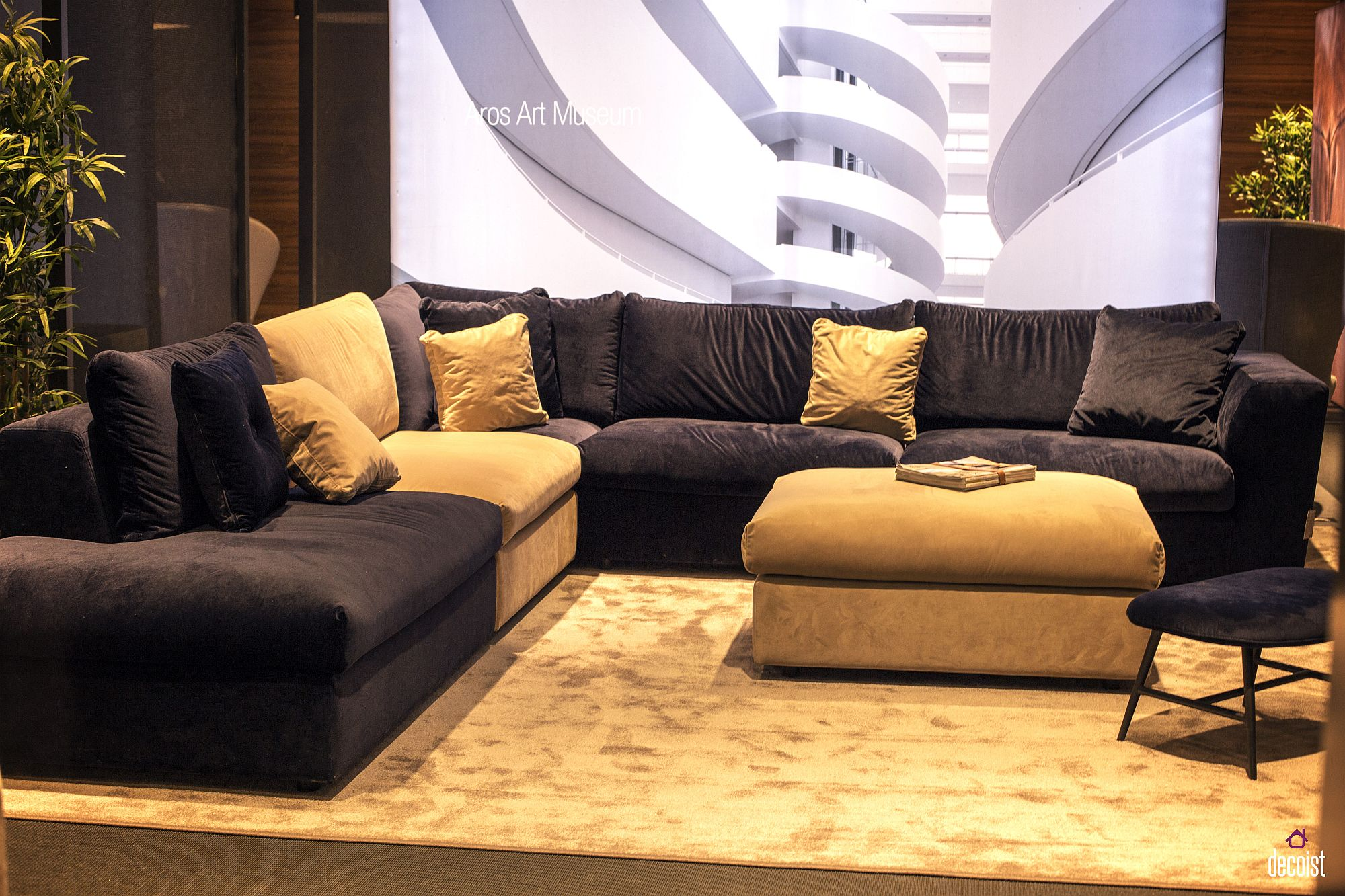 Combining-a-light-hue-with-darker-shade-to-create-a-unique-living-room
