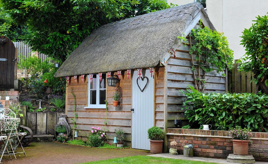 A-little-wooden-garden-shed