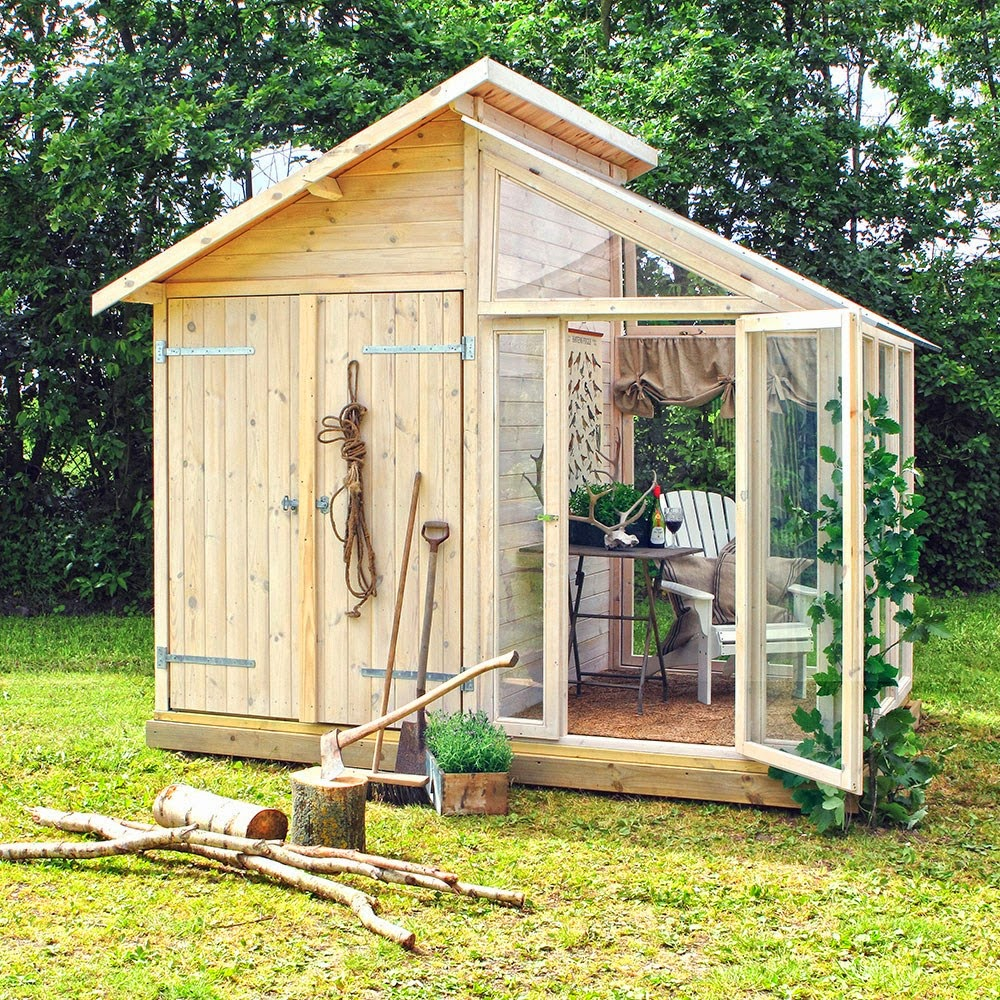 Open-greenhouse-shed-with-a-traditional-design