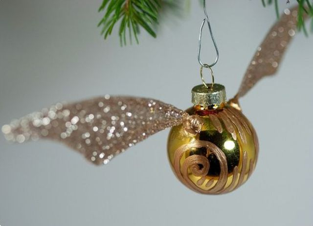 15-Golden-Snitch-ornament-can-be-easily-DIYed